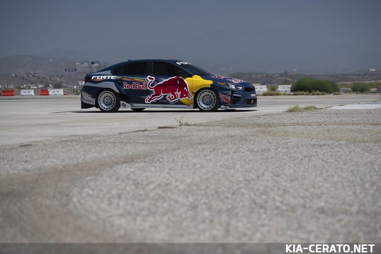Нажмите на изображение для увеличения.  Название:kia-forte-red-bull-drift-car-1.jpg Просмотров:0 Размер:88.3 Кб ID:1234